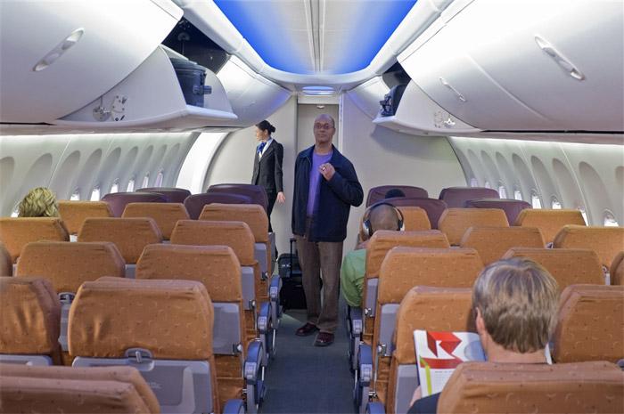 Jet airlines boeing 737 800 interior for Interieur avion easyjet