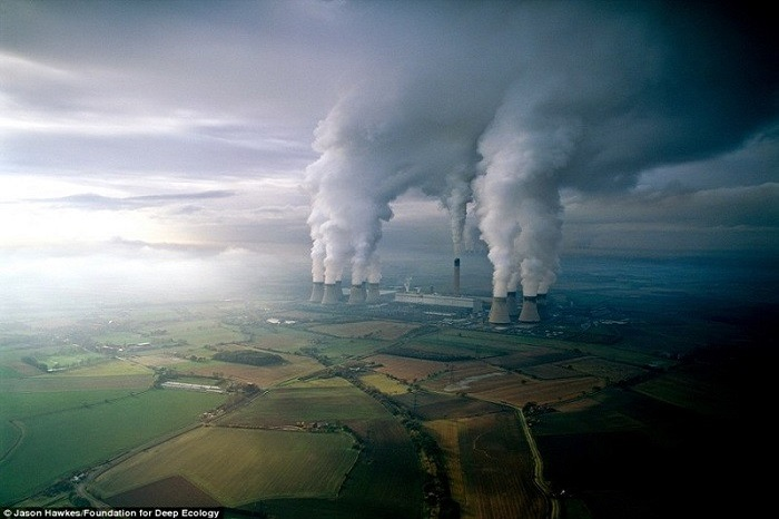 A lignite power plant contaminates the air with its discharges.