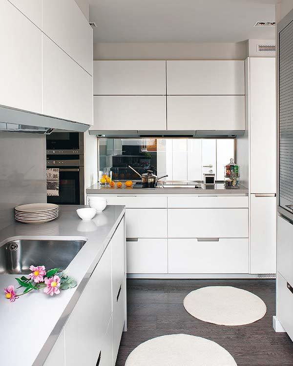 Comodoos interiores tu blog de decoracion una vivienda - Cocina suelo gris ...