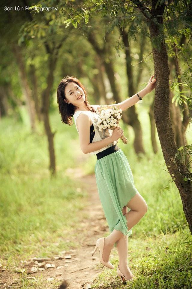 Những nụ cười thiên thần của hot girl Trâm Anh