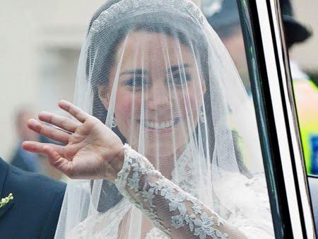 Диамантената тиара на Кейт - Halo Cartier, подарък от кралицата