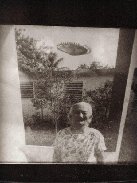 UFO News ~ 8/22/2015 ~ UFO Photo: Puerto Rico 1985 and MORE Pr-ufo1b