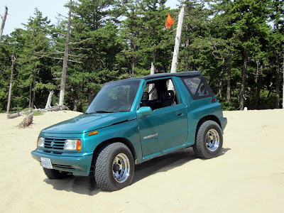 Suzuki Sidekick hits the dunes in Oregon
