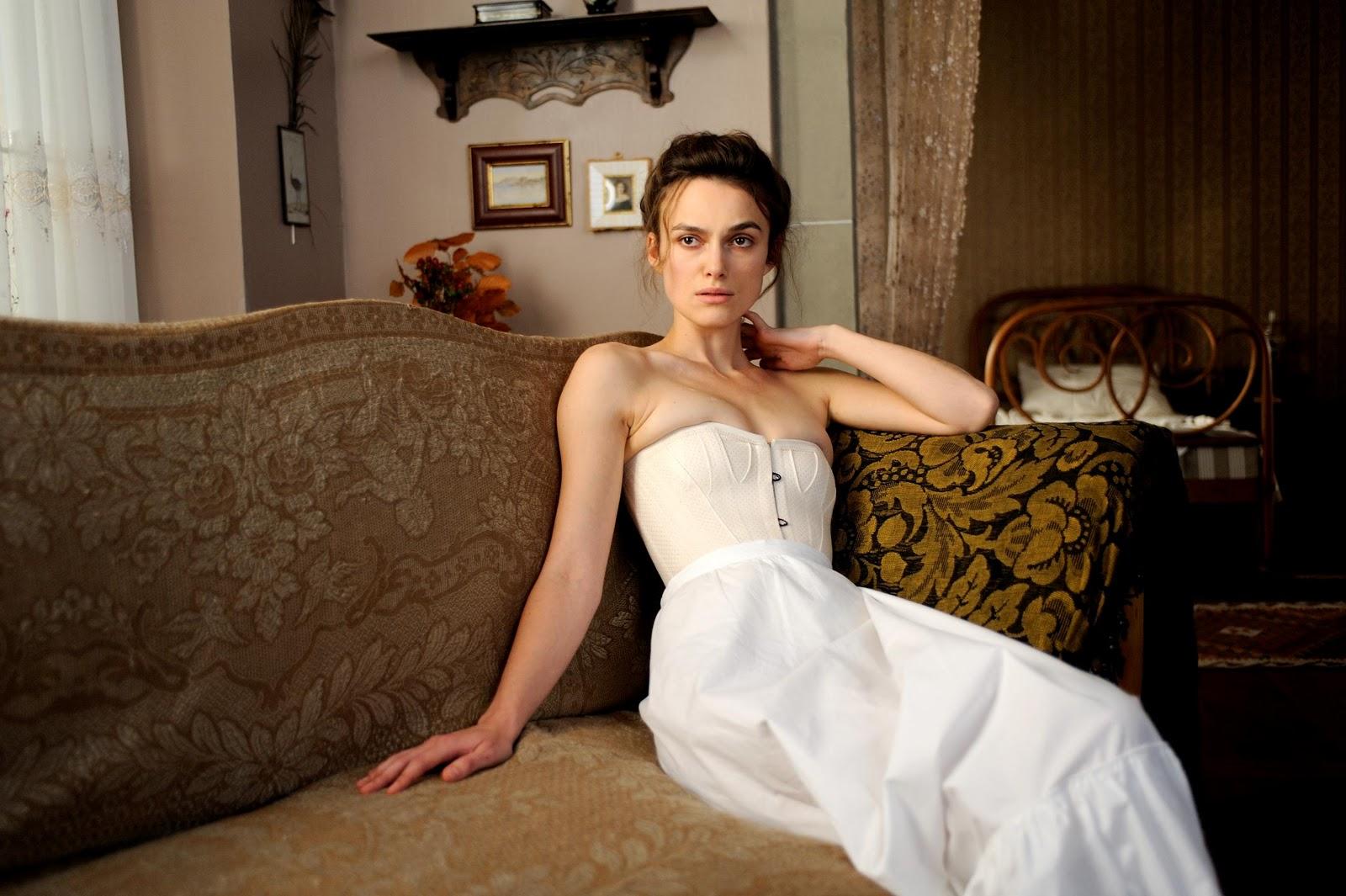 http://2.bp.blogspot.com/-D_k21aqA3dY/TyuhtrzSV9I/AAAAAAAAEXI/tOW7u8HKJNA/s1600/Keira+Knightley+A+Dangerous+Method+White+Dress+Cronenberg+Fassbender.jpg
