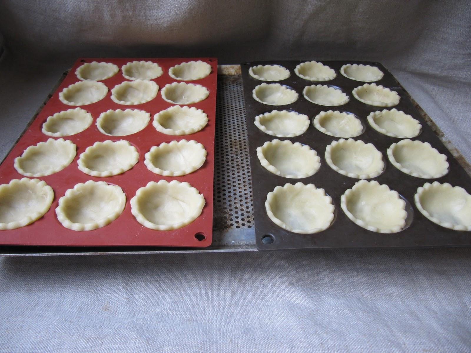 La cuisine d 39 ici et d 39 isca mini quiches aux escargots - Moule mini quiche ...