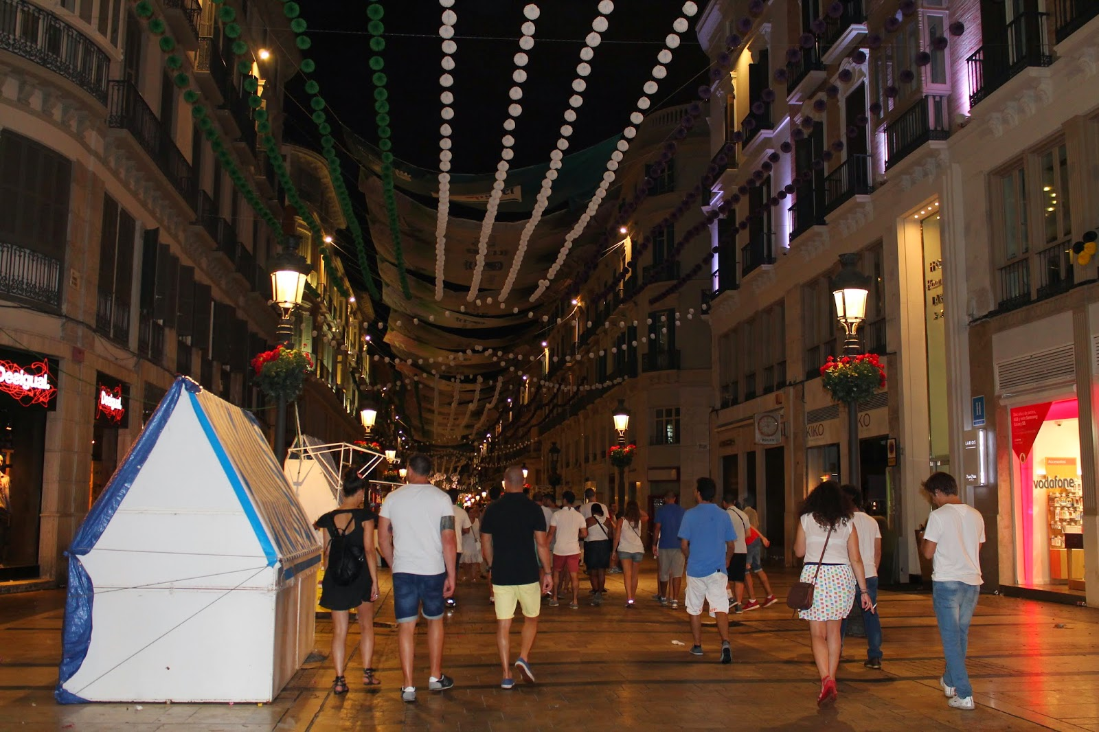 real llamada chica bailando en Málaga