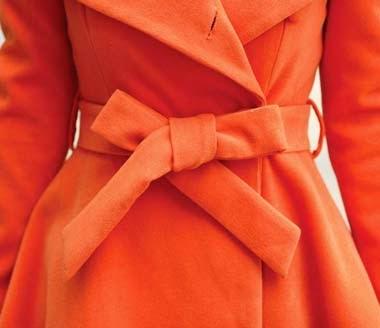 Abrigo de Lana Cuello Alto con Dos Botones Grandes en el Pecho y con Cinturon