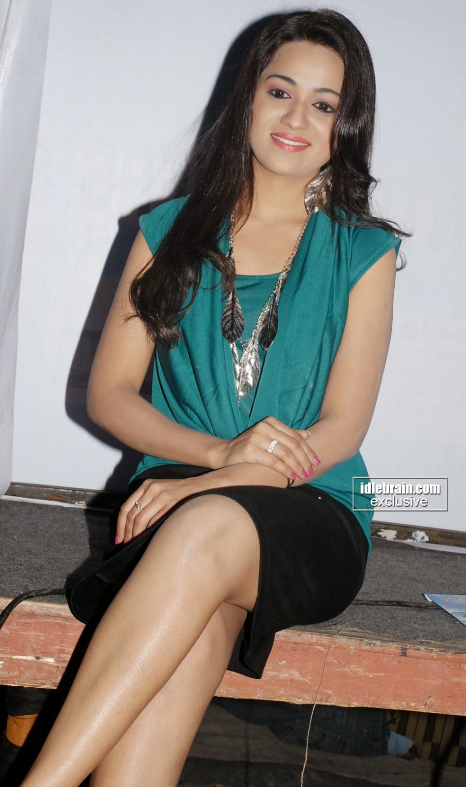 reshma short skirt