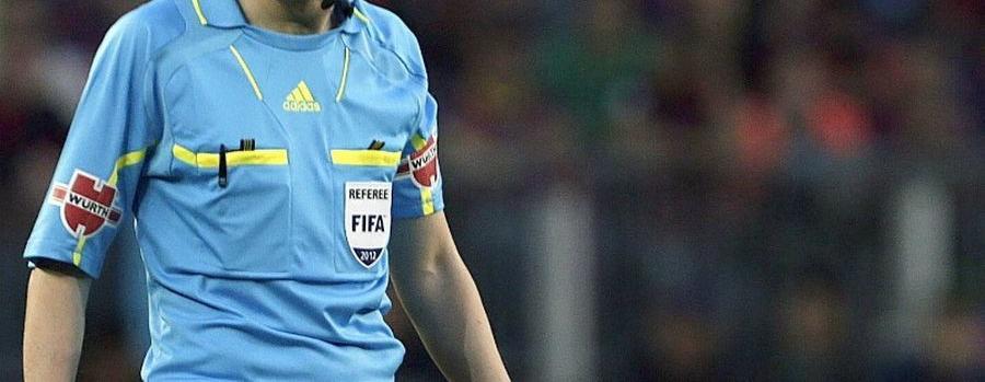 El árbitro de fútbol