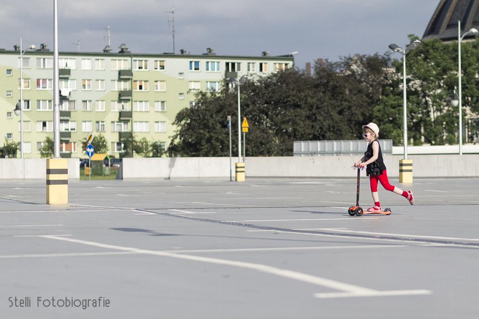 hulajnoga, fotograf dziecięcy Płock, fotografia dziecięca płock, orlen arena