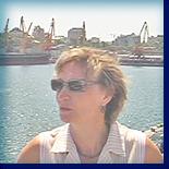 Где ты, моряк? - песня морячки в одесском порту.
