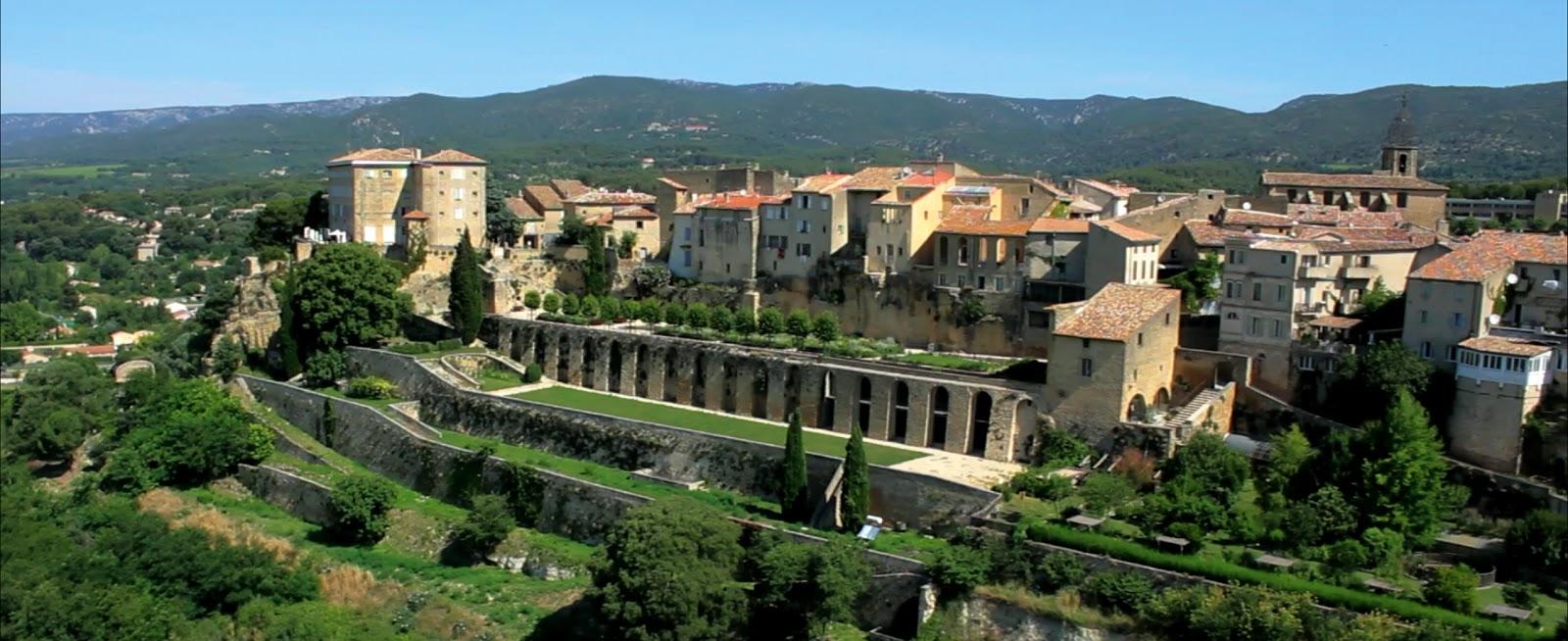 Tourisme et sorties en provence sud luberon durance et alpilles villes et villages - Les jardins de provence 77 ...