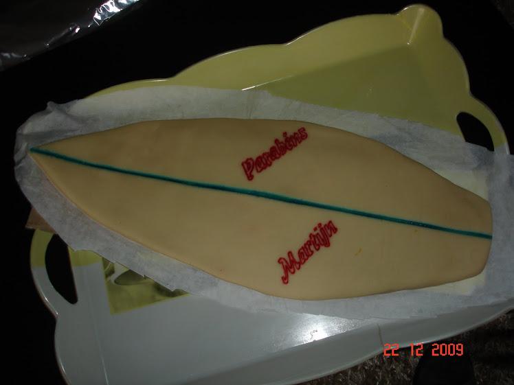 Prancha de Surf em Bolo de Doce Fino