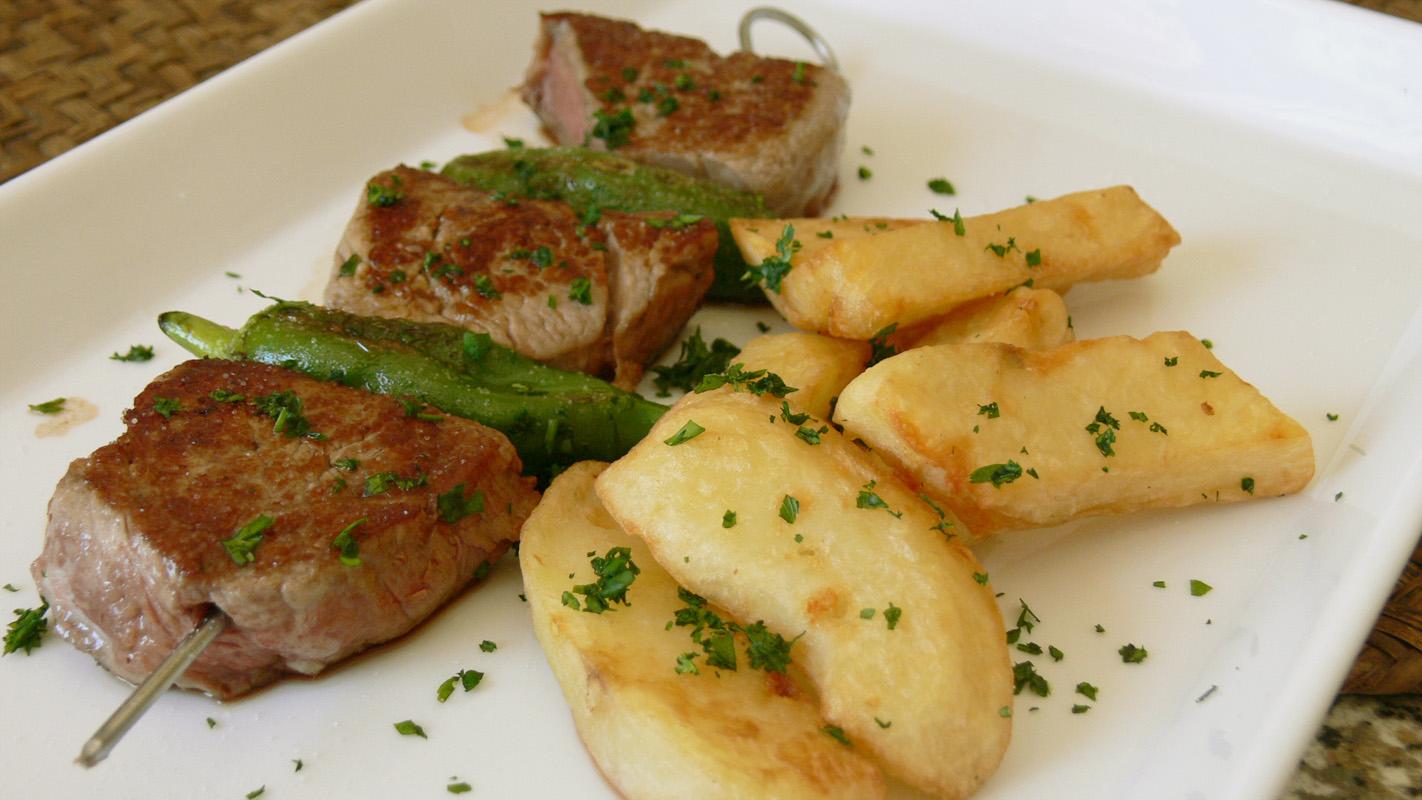 Cocinar para los amigos brocheta de solomillo de ternera for Como preparar solomillo
