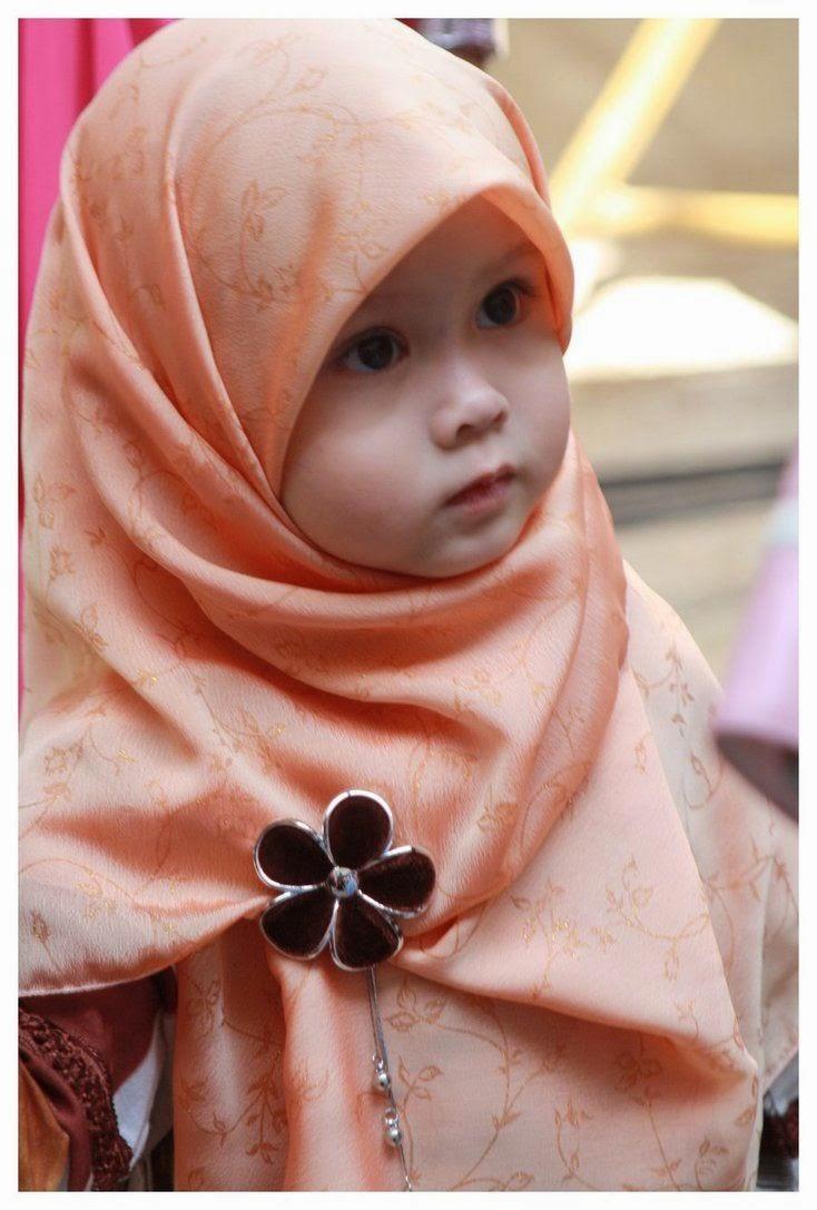 Tips Memilih Busana Muslim untuk Anak Perempuan