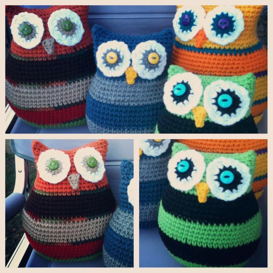 Free Crochet Owl Cushion Pillow Pattern : Bizzy Crochet: Owl Pillows in Two Sizes: Last Pattern for ...