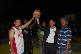 Inicia torneo de Baloncesto Superior en los Mameyes