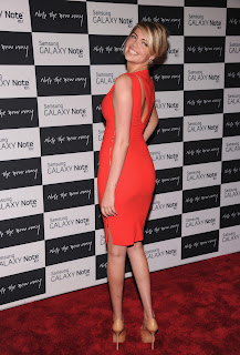 Kate Upton does a turn at  Samsung Galaxy Note 10.1 Launch Event red carpet