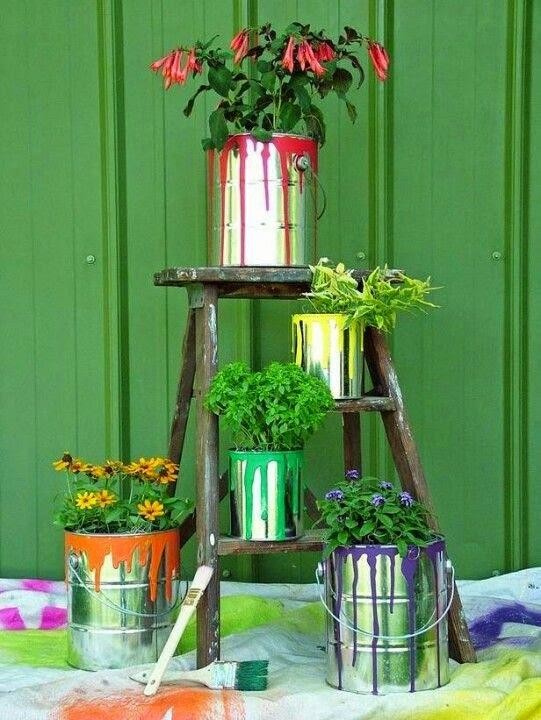 jardim vertical latas : jardim vertical latas:Idéias de lindos vasos de lata pintados para decoração do jardim