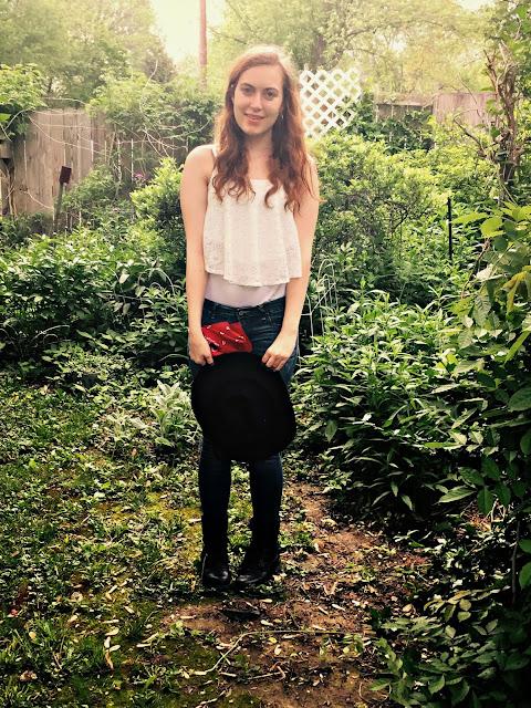 lace-crop-top-jeans