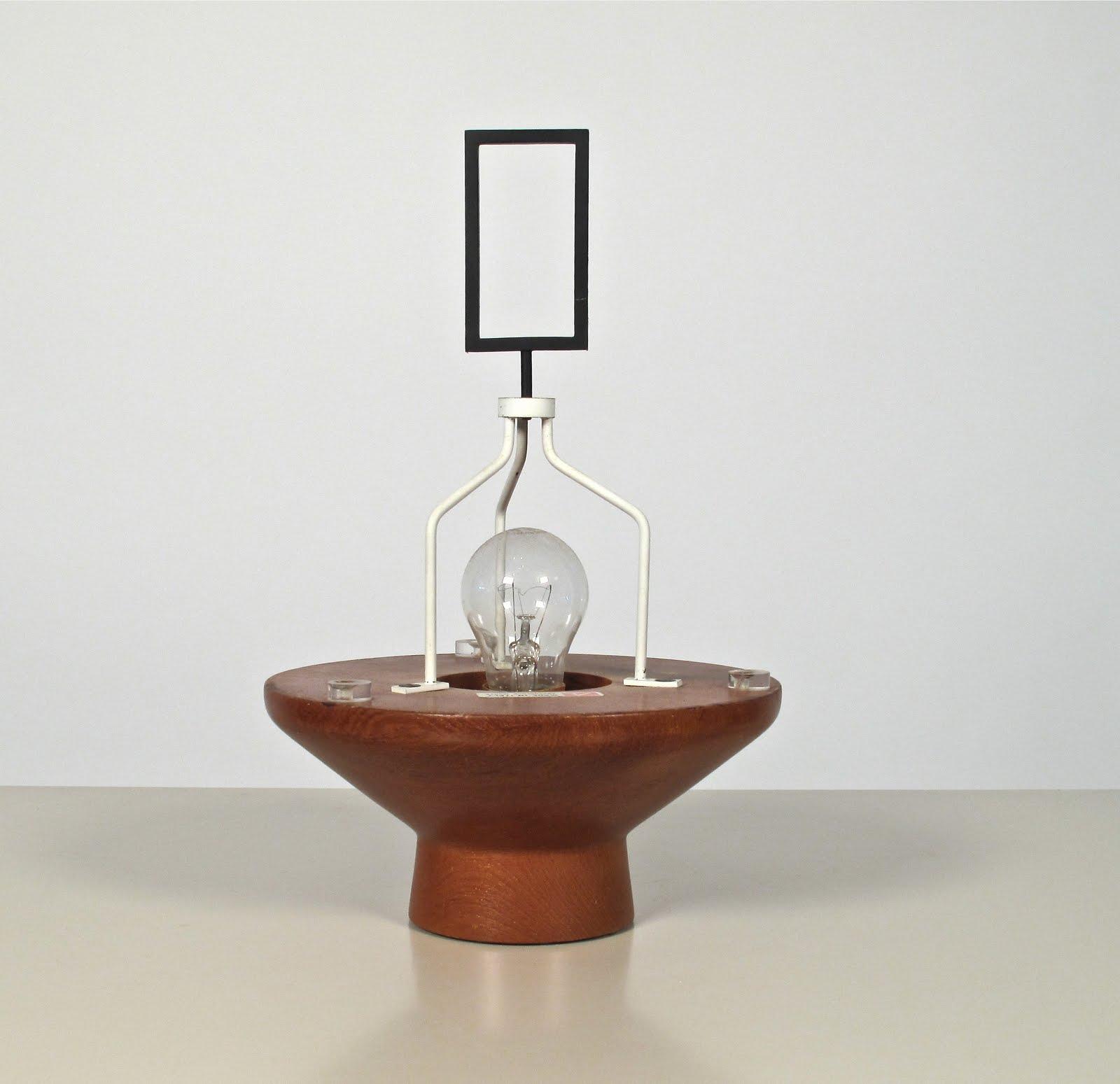 Just in modern arredoluce table lamp italy 1950 39 s for Arredo luce