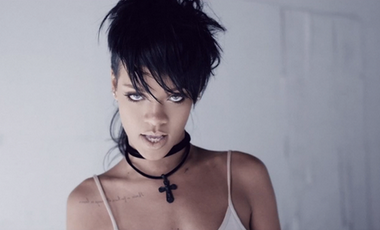 """What Now"" novo clipe de Rihanna"