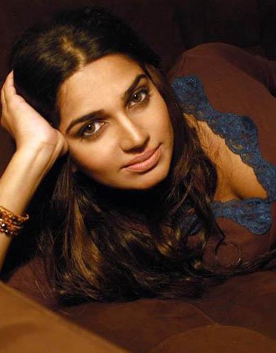 nadia ali pakistani pop singer actress pics