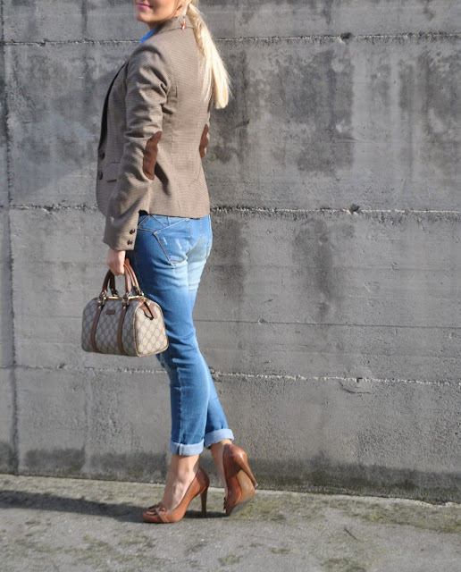 outfit marrone come abbinare il marrone how to wear brown how to combine brown outfit jeans e tacchi come abbinare jeans e tacchi abbinamento jeans e tacchi jeans skinny delavè jeans skinni how to wear jeans and heels how to combine jeans and heels jeans and heels outfit mariafelicia magno fashion blogger color block by felym fashion blog italiani fashion blogger italiane fashion blogger bergamo fashion blogger milano fashion bloggers italy blog di moda blogger italiane blogger di moda outfit autunnali outfit invernali fall outfit november outfit ragazze bionde blonde hair blonde girl blondie blonde girls with heels bionde e tacchi