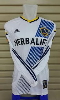 gambar detail dan bocoran terbaru jersey musim depan klub amerika Jersey La galaxy home terbaru lengan panjang terbaru musim 2015/2016