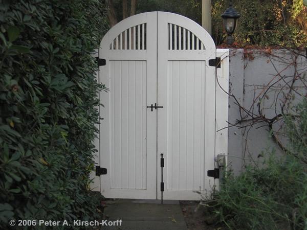 Garden gates home depot center for Wooden garden gates designs
