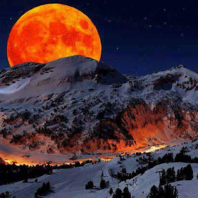 And the moon on the breat of the new fallen snow...