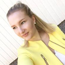 SUSANNA, 19, FINLAND