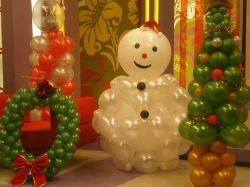 http://decoracion.facilisimo.com/foros/casas-con-vida/decoracion-de-navidad-con-globos_610068.html