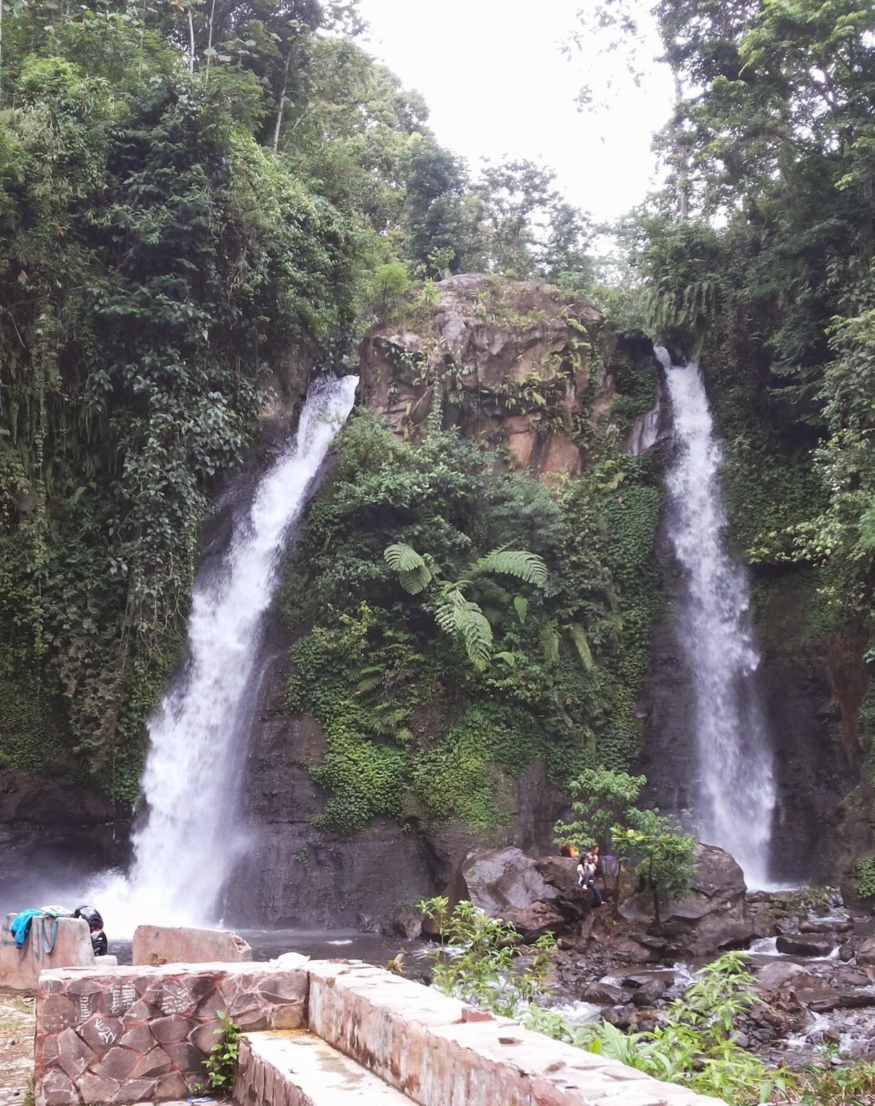 Air terjun Tirto Kemanten, Kalibaru, Banyuwangi.
