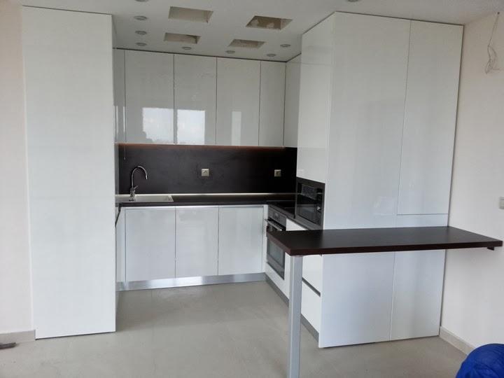 Кухня гланц бяла 5