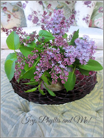HOW TO ARRANGE A VASE OF LILACS