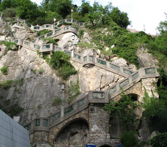 http://2.bp.blogspot.com/-Dd6XkYqE4EE/UdLBBRwH-gI/AAAAAAAAQlo/XV-WIIF8dbU/s580/IMG_0517_-_Graz_-_Schlossberg+(1).jpg
