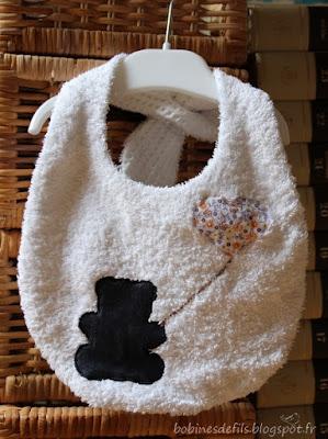 Bavoir ours / http://bobinesdefils.blogspot.fr