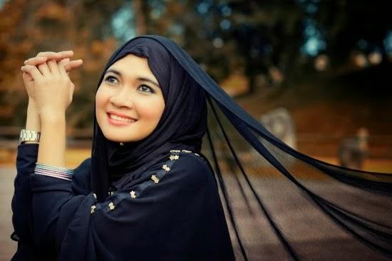 cara-merawat-rambut-wanita-yang-memakai-jilbab