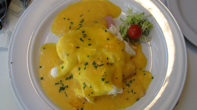 eggs benedictine at cafe oliver
