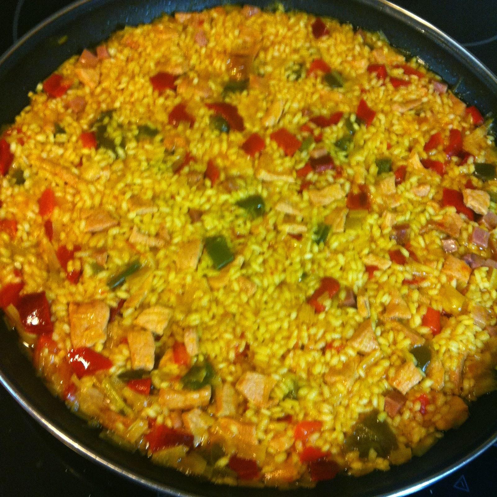 Las recetas de martuka paella con lomo y dos pimientos for Cocinar 6 tipos de arroz