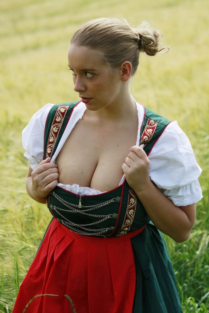 Sexy german dirndl