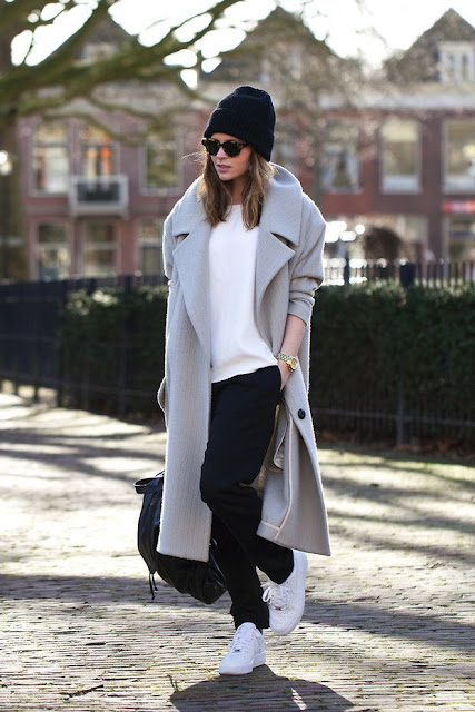 winter outfit trainers, beanie coat trainers, sneakers wool coat,