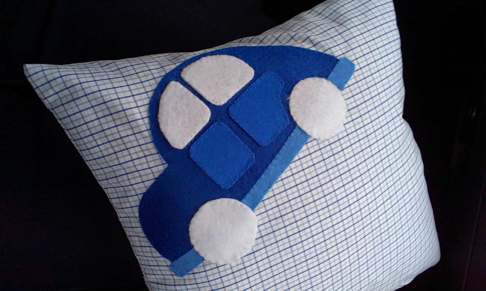 Samochód do spania czyli poduszka z aplikacją