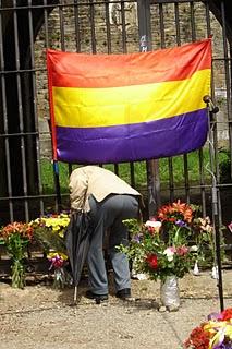 Homenaje a los muertosde la fuga del penal de San Cristobal