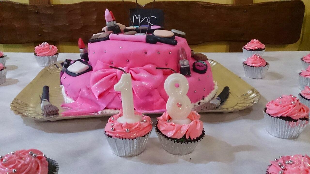 Enfim, a festa já acabou os doces e bolo também, mas trouxe algumas