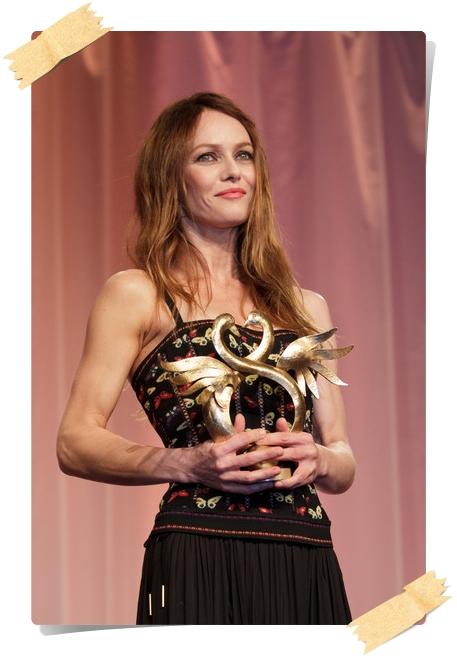Vanessa Paradis Photos from the Swann Awards - Pics 9