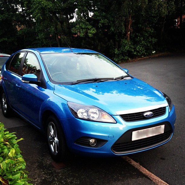 Blue Ford Focus Zetec 1.6
