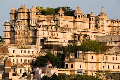 Udaipur Honeymoon Tours, honeymoon tours, honeymoon tours in India, honeymoon, udaipur tours, honeymoon tour packages in india, balajitourtravel.com