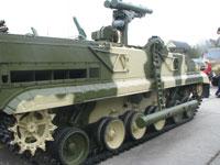 Загрузка ракет БМ «Хризантема-С» комплекса механизирована.